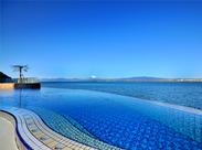 神秘的な江の島の大自然と調和したスパ施設は、まさに外国のリゾート!癒しのひと時を提供していきましょう!