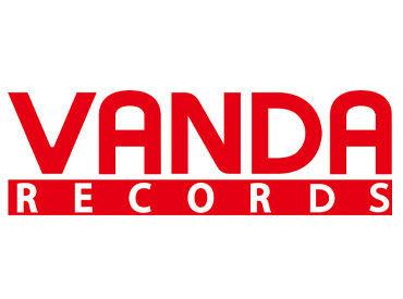 人気のDVDやヒットチャートはもちろん、歌謡曲、ファミリーからジャズ・クラシックまで充実の品揃え!<バンダレコード>★*