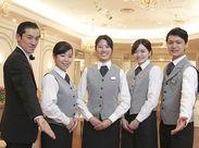 私たちと一緒に働きませんか?接客マナーなど、丁寧にお教えします♪初バイトの方も大歓迎です!