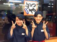 「今日はバイト仲間で女子会♪#かつや女子 #楽しいバイト」なんて女性StaffがSNSに投稿したくなるくらいスタッフ仲◎!!