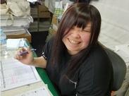 事務所内は笑顔の絶えない明るく働きやすい環境です。