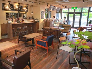 アンティークにもこだわったカフェ♪ゆったりしたひと時を過ごせます★バイト後は当店のカフェごはんを楽しめます☆⋆