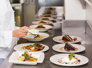 【調理・キッチン】力を発揮し伸ばし続ける挑戦・教・評価の制度があります