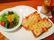 羽田空港でサンドイッチを通して大切な誰かを迎える方・見送る方などに、ひと時の「上質な日常」を提供しています◎