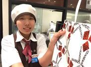 とってもきれいなお店です☆*゜ 百貨店や駅直結の店舗だから、お仕事前後にお買い物も楽しめます!