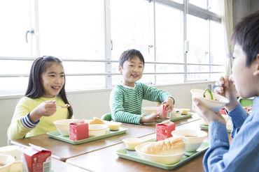 株式会社メフォスは、全国約2500か所の様々な施設で食事サービスをご提供♪ 未経験からSTARTの方も多数!!※写真はイメージです