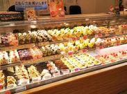 人気のケーキ&スイーツのお店がNEW OPEN♪ ≪岡山市北区 久米≫ 大家族の湯の駐車場内! まずは、お試し短期で気軽に勤務開始★