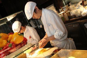 【キッチンスタッフ】あの有名シェフのれん分けのイタリアンレストラン♪見習いから中習いクラスまで幅広く募集!賞与年2回♪