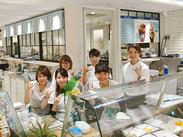 ≪Hawaiiのリゾート感溢れる店内×アロハな制服≫OHANA(家族)のようなお店を目指しましょう♪