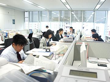 【内勤営業】東証一部上場の安心企業で事務のお仕事★ブランクがあっても大歓迎!★土日祝休みで家事・プライベートも充実!