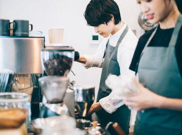 経験を活かして働きませんか? カフェや飲食店などでのマネージメント経験が ある方はスグに活躍できます! ※写真はイメージ