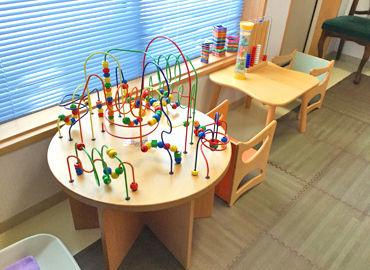 お子様が楽しめるスペースなども完備◎ 患者さんにも優しい配慮ができる、 そんな温かいクリニックです。*