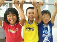 子ども達と一緒に遊んだり、工作をしたり♪子ども達の笑顔がいっぱいの環境です★