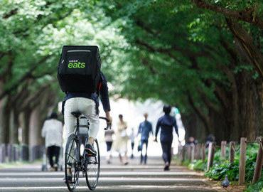 必要なのは自転車とスマホだけ!女性も男性もサクッと稼げる配達スタッフです♪