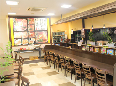 島忠ホームズ中野本店の地下1F◎お客さん自身で料理を取りに行って、食器も下げてもらう形式なので、お仕事はとっても簡単です!