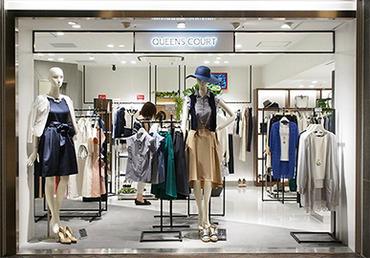 【ショップSTAFF】販売が初めての方でも丁寧にサポートします!オシャレが好きな方、お洋服が好きな方大歓迎☆