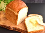 食パンに特化した専門店「一本堂」が堂々オープン!店内も居心地の良いほっこりした雰囲気★シフトの融通が抜群なのも魅力♪
