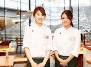 ≪バイト・パートデビュー大歓迎!≫ 大阪駅すぐ♪グランフロント大阪うめきた広場! たくさんの観光客で賑わう人気エリア◎