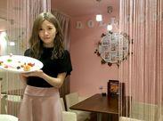 SNSで話題のオシャレcafe&バル★フォトジェニックな店内でパチリ!初バイトさんも歓迎です!