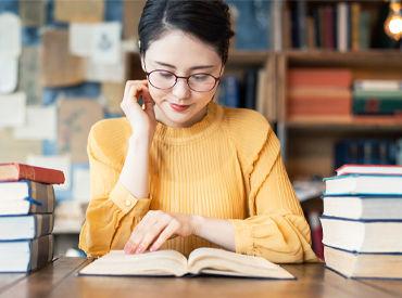 \*本好きさん集合~!!*/ <充実の設備◎>の大学図書館! 気になった本をそのまま借りて帰ることも…♪(イメージ画像)