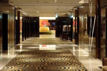 【フロント・ロビーSTAFF】《未経験◎》有名ホテルで勤務♪どこへ行っても恥ずかしくない、ホテルの一流マナーがあなたのものに。安心の待遇多数♪