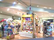 POPな店内には、さまざまなスマホケースが並んでいて、ワクワクできちゃう♪新商品にも詳しくなれます!