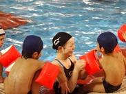 「子どもの笑顔がやりがいに!」 泳げるようになったとニッコニコの笑顔で言われると癒されますよ◎子ども好きさんカモン!