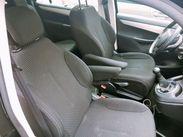 自動車シートの座席位置を調整する部品作り♪ 身近なものに使われるのでやりがいもあります◎