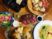 """Hawaii発の炭火焼とワインが楽しめるハワイアンバルのお店""""アロハキッチン""""♪現在のstaffは3日目ですっかり馴染んでいました◎"""