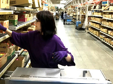 「この商品どこだっけ?」分からない時は、 スタッフが優しくお教えします! 9~18時*フルタイムで働ける方積極採用中◎