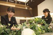 未経験の方も大歓迎! 花を通じて、たくさんの人を笑顔にできる、やりがいのあるお仕事です◎