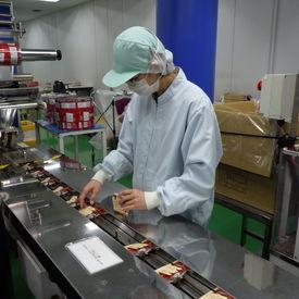 アットホームな職場で働きやすい◎ 工場内はいつも香ばしいコーヒーの香りが広がっています♪ 平日のみも相談OK!