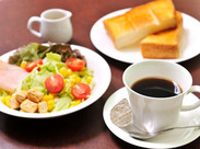 美味しいコーヒーを通して、お客様にくつろいでいただける空間を、一緒に作っていきましょう♪未経験の方も大歓迎です◎