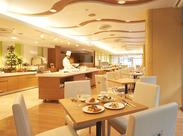 洋食、和食、中国料理など4店舗、複数の宴会場があります。笑顔で明るい接客ができる方、大歓迎♪