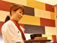 ◆綺麗でオシャレな店内◆ スタイリッシュな制服でお仕事しませんか? 主婦(夫)~フリーター…皆さん大歓迎です!