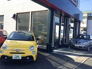 <レアな車に出会える> 日本でココにしかない、貴重な車もあります! カッコいい車を見ながらのお仕事は気分もUPしますね♪