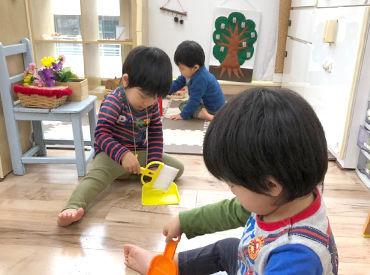 【保育士】~モンテッソーリ教育を取り入れた保育園~子どもの自ら育つ力を引き出していく教育です!定時後の日報記入などはありません◎