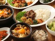 人気のスンドゥブラーメンやビビンパなど…韓国の定番料理が勢ぞろい♪メニュー内の料理をお得に食べられる嬉しい食事補助あり★