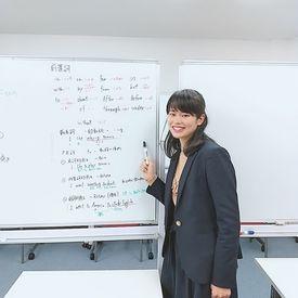 今回募集の住吉・東陽町校の塾長!いつも笑顔で楽しく働くがモットー。文系理系問わず、大歓迎です♪猫の手も借りたいよ~><