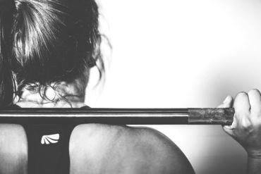 【パーソナルトレーナー】銀座健康倶楽部でトレーナー募集!綺麗なトレーニングジムで、体もキレイになれる♪高時給1300円+交通費♪女性活躍中♪