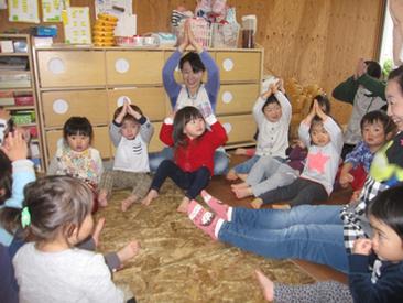 2歳児・3歳児~就学前までいろんな子どもたちがいますよ!資格や経験が無くても大丈夫♪一緒に楽しく働きましょうね◎
