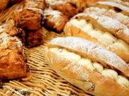 焼きたてパンの香りがあふれる店内で楽しくお仕事♪ シフトも柔軟で働きやすい☆