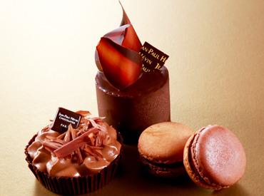 【洋菓子製造・仕分けSTAFF】\ 高級ショコラが大人気! /工場らしくない⁉ビル内にある工場でのお仕事☆平日だけ/土日だけもOK♪シフトは柔軟に対応◎