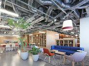 ※実際のオフィス風景です。  名古屋駅スグで通勤ラクラク♪ 新しくできたばかりのキレイなオフィスです★