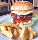 \スタッフの特典★/人気ハンバーガーをまかないで食べれちゃいますよ♪♪お仕事を頑張った後に食べるまかないは絶品◎◎
