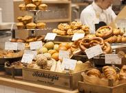 焼きたてのお菓子の匂いがひろがる店内で、カフェSTAFFはじめませんか?
