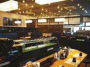 「美味しい!」お寿司を食べると…自然と笑顔に♪ 家族と、友達と、恋人と etc. たくさんの笑顔が溢れるお店です◎
