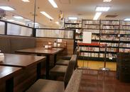 気になる本を見つけたら、併設のBOOKカフェでゆっくり吟味★優雅なティータイム&本選びの夢の時間を実現しました♪