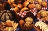 美味しいパンに囲まれてお仕事ができます♪