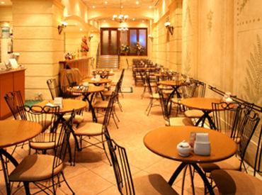 ▼横浜駅直結!ホテル内Cafe オープンテラスもあり雰囲気バツグン!「落ち着いたカフェで働いてみたい」という方にオススメ♪